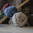 Knitting needles and wool — Stock Photo