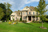 Luxe suburban huis — Stockfoto