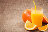 A glass of fresh orange juice — Stock Photo