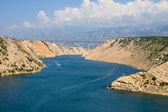 Maslenica strait av Adriatiska havet, norr om zadar, Kroatien — Stockfoto