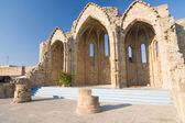 Ruiny bazyliki romańskiej, stare miasto rodos, grecja — Zdjęcie stockowe