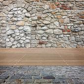 Tuğla duvar eski oda. ürün montaj görüntü için hazır. — Stok fotoğraf