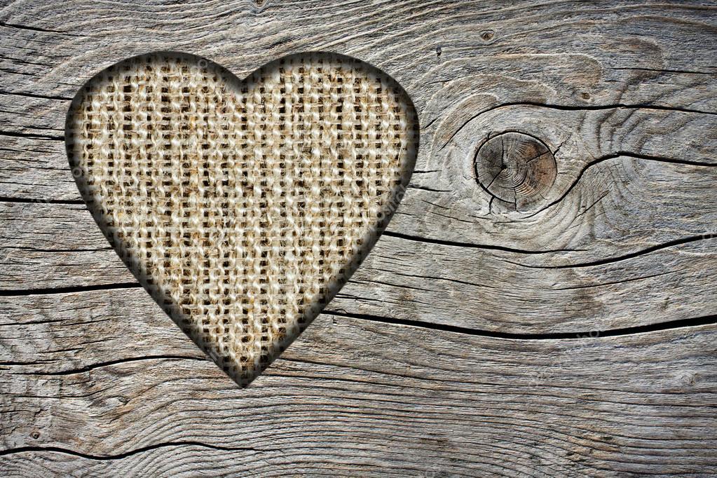 Boite En Bois Avec Un Trou : Fond avec un trou en forme de coeur et de la vieille planche en bois