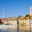 The Pier and the City of Rovinj on Istria Peninsula in Croatia — Stock Photo