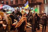 KIEV (KYIV), UKRAINE - DECEMBER 4, 2013: Euromaidan protesters r — Stock Photo