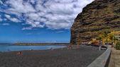 Beach  in center of Puerto de Tazacorte, La Palma, Canary, Spain — Stock Photo