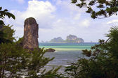Rocks in Ao Nang Beach. — Foto de Stock