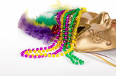 Mardi Gras beads and mask — Foto Stock