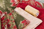 Quiltstoffe und quilting thread — Stockfoto
