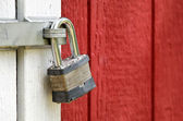 Padlock on door — Stock Photo