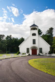 White country church — Stockfoto