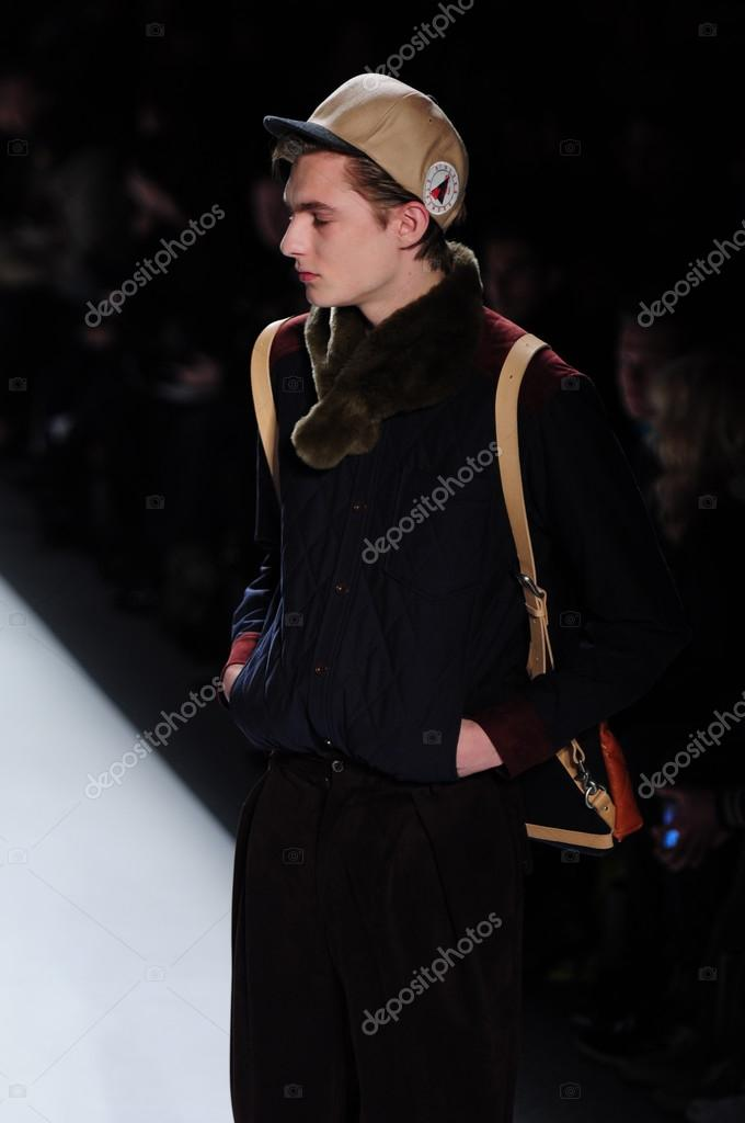 NEW YORK - FEBRUARY 10: Male model walks runway for General Idea Fall Winter 2012 presentation in Lincoln Center during New York Fashion Week on February 10, 2012 — Stock Photo #12537817