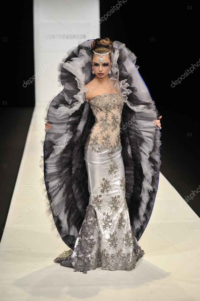 MOSCOW - MARCH 22: A Model walks runway at the CONTRFASHION for Fall Winter 2012 presentation during MBFW on March 22, 2012 in Moscow, Russia  — Stock Photo #12541062