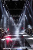 MOSCOW - APRIL 08: Creative lights on runway at the Dmitri Loginov Fall Winter 2012 runway presentation during Volvo Fashion Week on April 08, 2012 in Moscow, Russia — Foto Stock