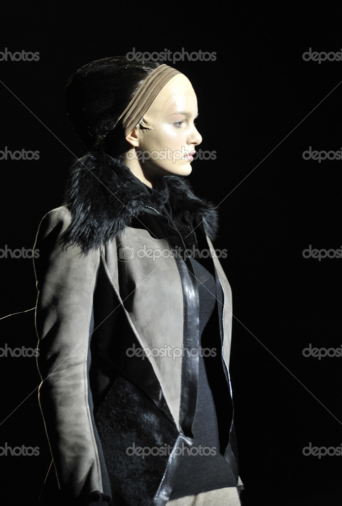 MOSCOW - MARCH 25: A Model walks runway at the Tegin for Fall Winter 2012 presentation during MBFW on March 25, 2012 in Moscow, Russia  — Stock Photo #12557452