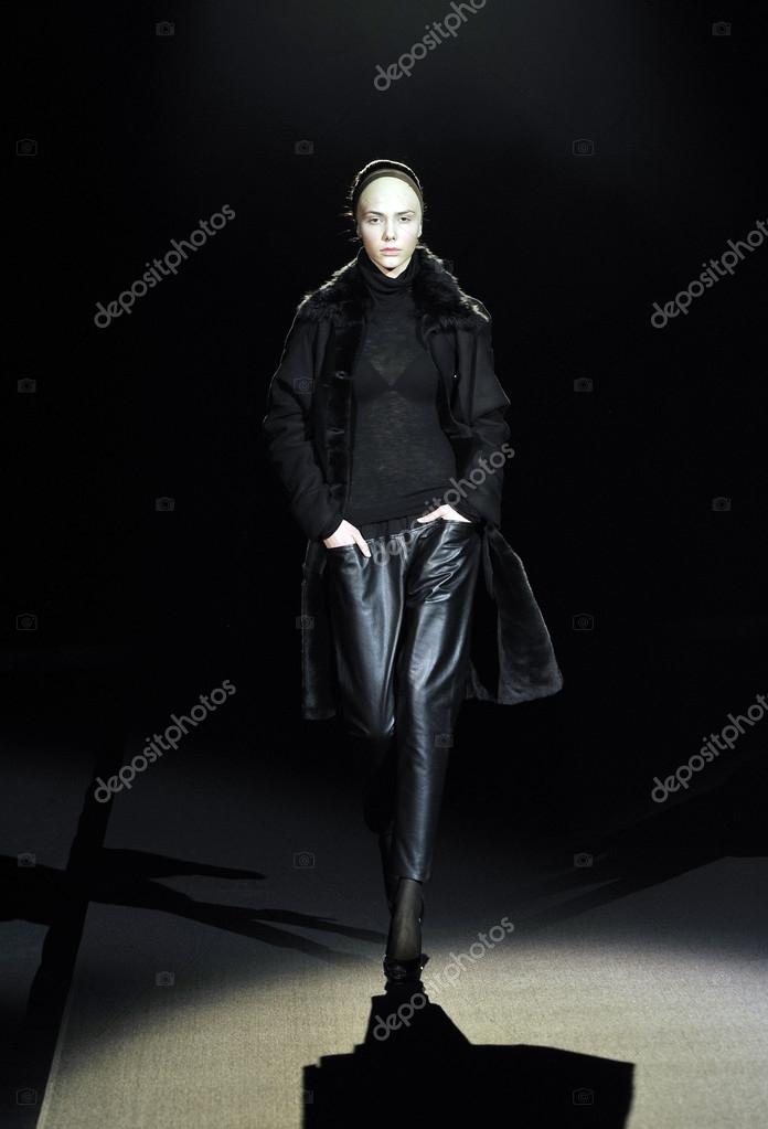 MOSCOW - MARCH 25: A Model walks runway at the Tegin for Fall Winter 2012 presentation during MBFW on March 25, 2012 in Moscow, Russia  — Stock Photo #12557463