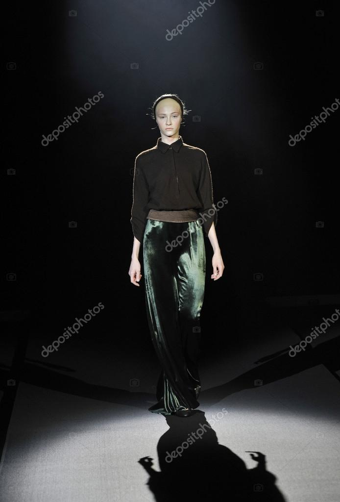MOSCOW - MARCH 25: A Model walks runway at the Tegin for Fall Winter 2012 presentation during MBFW on March 25, 2012 in Moscow, Russia  — Stock Photo #12557470