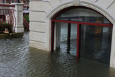 Seriouse flooding in the buildings at the Sheapsheadbay neighborhood due to impact from Hurricane Sandy — Stock Photo