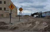 BROOKLYN, NY - NOVEMBER 01: Serious damage on the beach at the Seagate neighborhood due to impact from Hurricane Sandy in Brooklyn, New York, U.S., on Thursday, November 01, 2012. — Foto de Stock