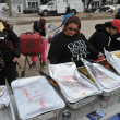 QUEENS, NY - NOVEMBER 11: getting help with hot food, clothes and supplies in the Rockaway beach area after impact from Hurricane Sandy in Queens, New York, U.S., on November 11, 2012. — Stok fotoğraf