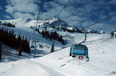 On the top of the World - Gondola, Snow and Sky. Snowbasin mountain, Utah — Stock Photo