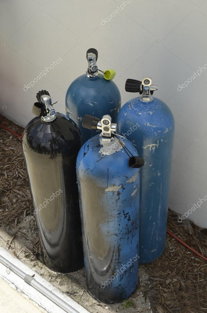 Oxigen tanks for scuba diving — Stock Photo #18633689