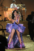 NEW YORK - NOVEMBER 10: Singer Katy Perry performs during the 2010 Victoria's Secret Fashion Show on November 10, 2010 at the Lexington Armory in New York City. — Stock Photo