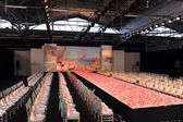 NEW YORK- OCTOBER 14: Empty runway for Claire Pettibone bridal show for Fall 2013 during NY Bridal Fashion Week on October 14, 2012 in New York City, NY — Stock fotografie