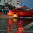 Cars moving on flooded streets and roads of Miami South Beach — Foto Stock