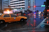 Cars moving on flooded streets and roads of Miami South Beach — Stock Photo