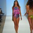 Model walks runway at the Cia Maritima Collection for Spring - Summer 2014 — Stock Photo