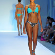 Model walks runway at the Poco Pano Collection — Stock Photo