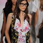 Models walk the runway at the BCBGMAXAZRIA show — Stock Photo