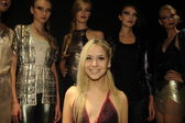 Designer Pamela Gonzales and models attend the Pamela Gonzales presentation — Foto de Stock