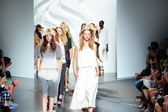 Models walk the runway finale at Tibi show — Stock Photo