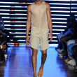 Model at Telfar fashion show — Foto de Stock