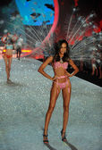 Model Joan Smalls Victoria's Secret — Stock Photo