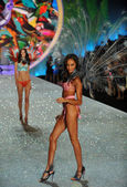 Model Joan Smalls Victoria's Secret — Stock Photo