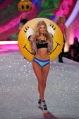 Model Victoria's Secret Elsa Hosk — Stock Photo
