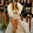 Foto de Stock  : Models at Victoria's Secret Fashion Show