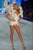 Candice Swanepoel — Stock Photo