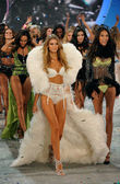 Modelos no victoria secret fashion show — Fotografia Stock