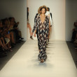 Models walk runway finale at Rachel Zoe show — Stock Photo #36438893