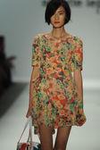 Model walks runway at Nanette Lepore show — Stock Photo