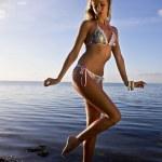 Bikini model posing sexy — Stok fotoğraf