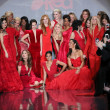 Celebrity models at Go Red For Women — Stock Photo