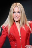 Joan Van Ark wearing Mark Zunino — Stock Photo