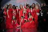 Celebrity models at Go Red For Women — Zdjęcie stockowe