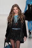 Model walks runway at Betsey Johnson — Stock Photo