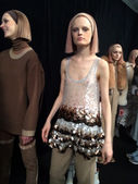 Models get ready at Marc Jacobs fashion show — Stock Photo